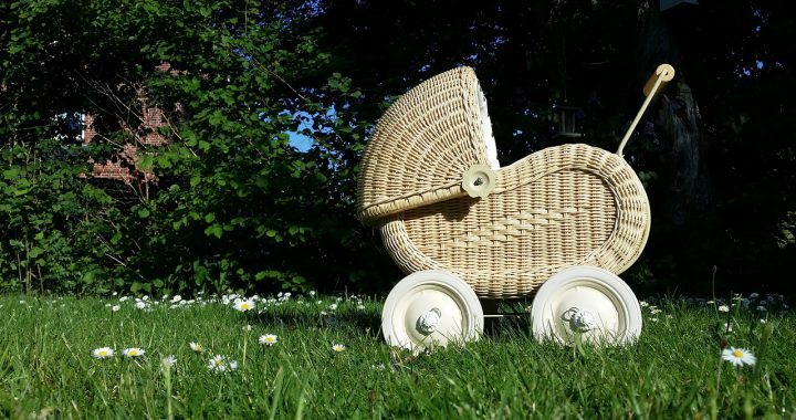 Wózek dla dziecka retro