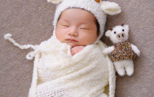 Wyprawka dla noworodka - jak przygotować się do kompletowania zestawu dla malucha