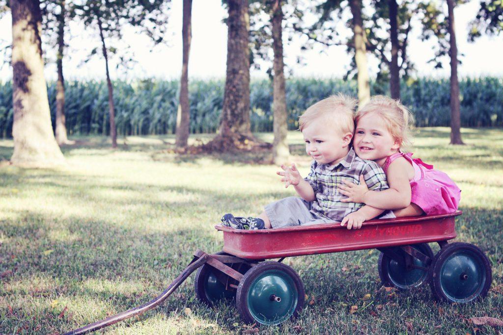 Pomysły na zabawę z dzieckiem na zewnątrz