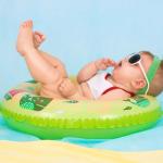 Podróż samolotem z niemowlęciem – najważniejsze informacje
